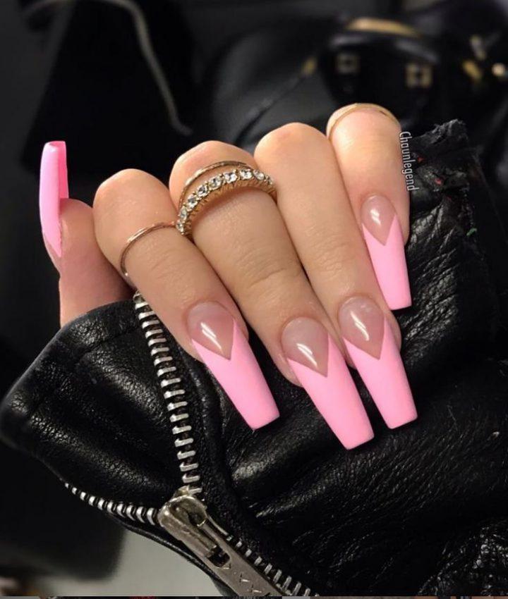 Розовый френч треугольником на длинных ногтях квадрат.