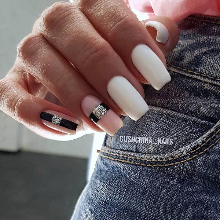 Дизайн ногтей с черным белым и бежевым гель лаком.