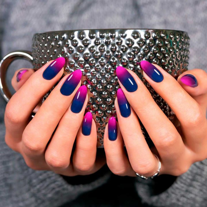 Смелый маникюр синя розовый на натуральных ногтях гель лак.