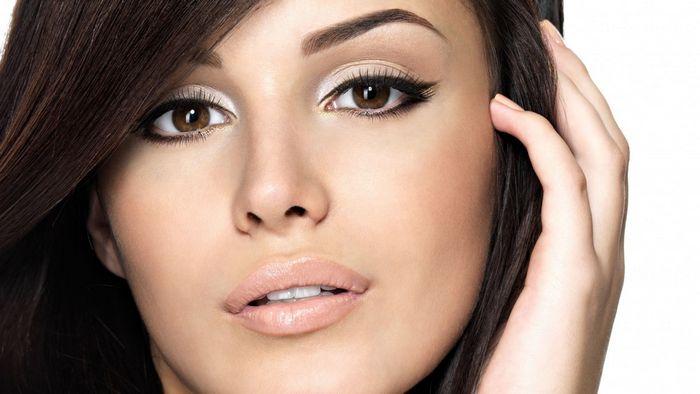 Основные правила макияжа для карих глаз брюнеток в домашних условиях
