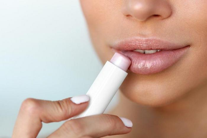 Уход за губами и увлажнение